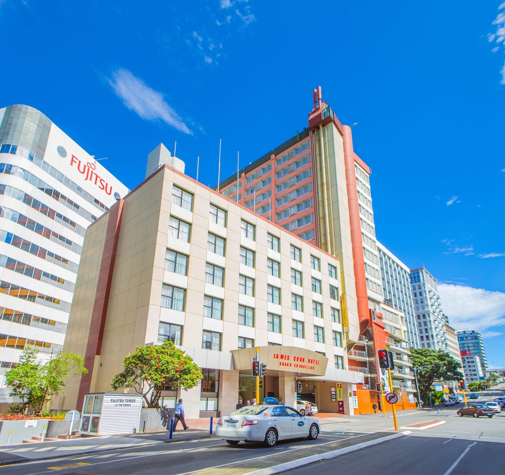 James cook hotel deals