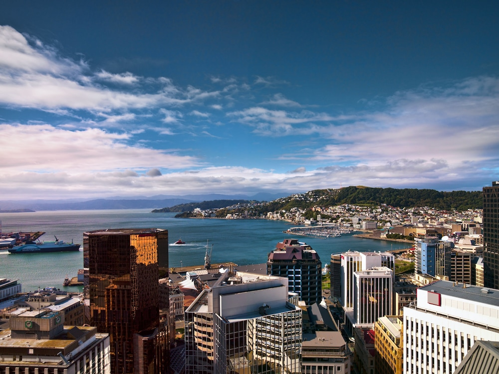 Book james cook hotel grand chancellor wellington hotel for 50 the terrace wellington