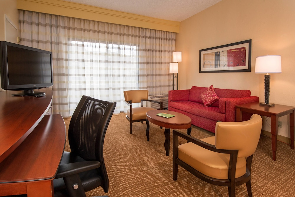 Room, Courtyard by Marriott Baltimore Hunt Valley