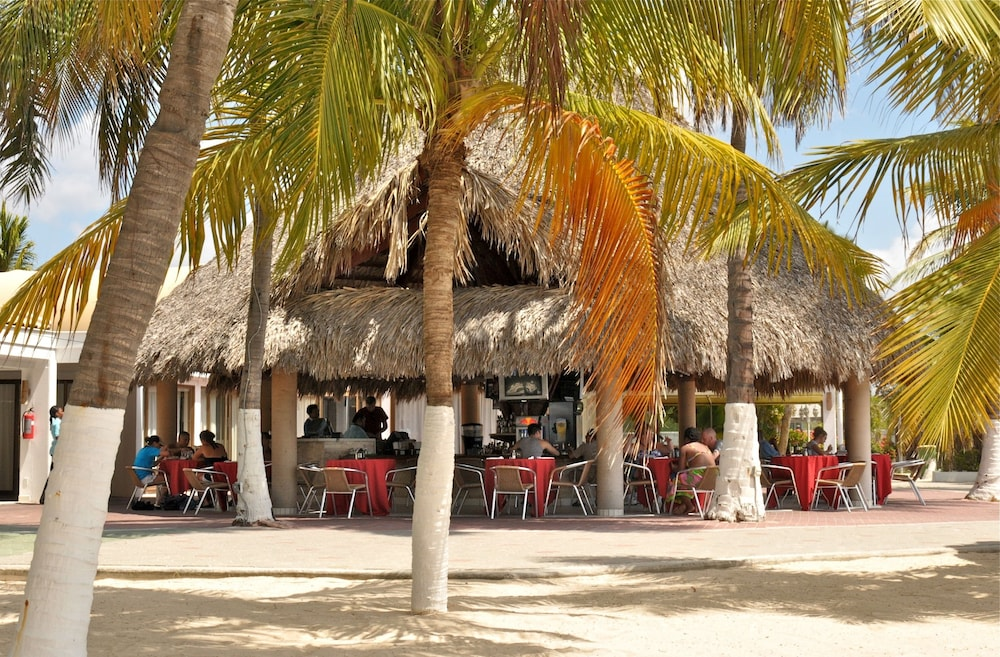 Outdoor Dining, Holiday-beach Resort and Casino Curacao