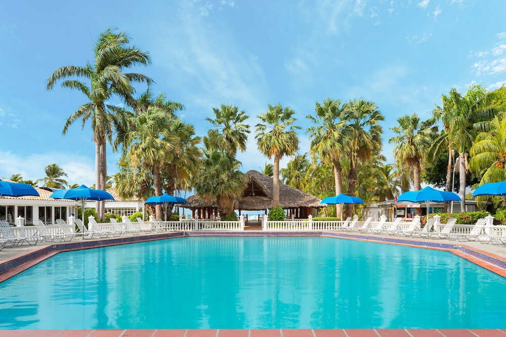 Pool, Holiday-beach Resort and Casino Curacao