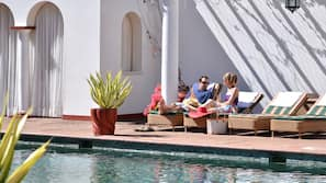 室外泳池;泳池傘