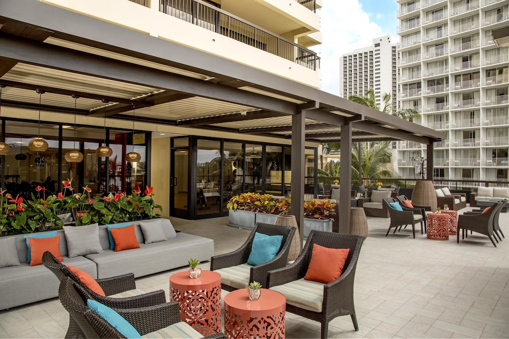 BBQ/Picnic Area, Aston Waikiki Beach Tower