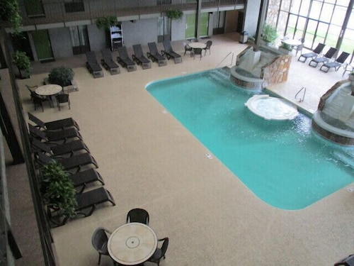 Indoor Pool, Best Western Plaza Inn