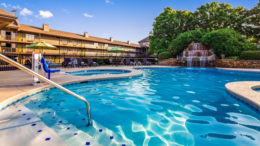 Pool, Best Western Plaza Inn