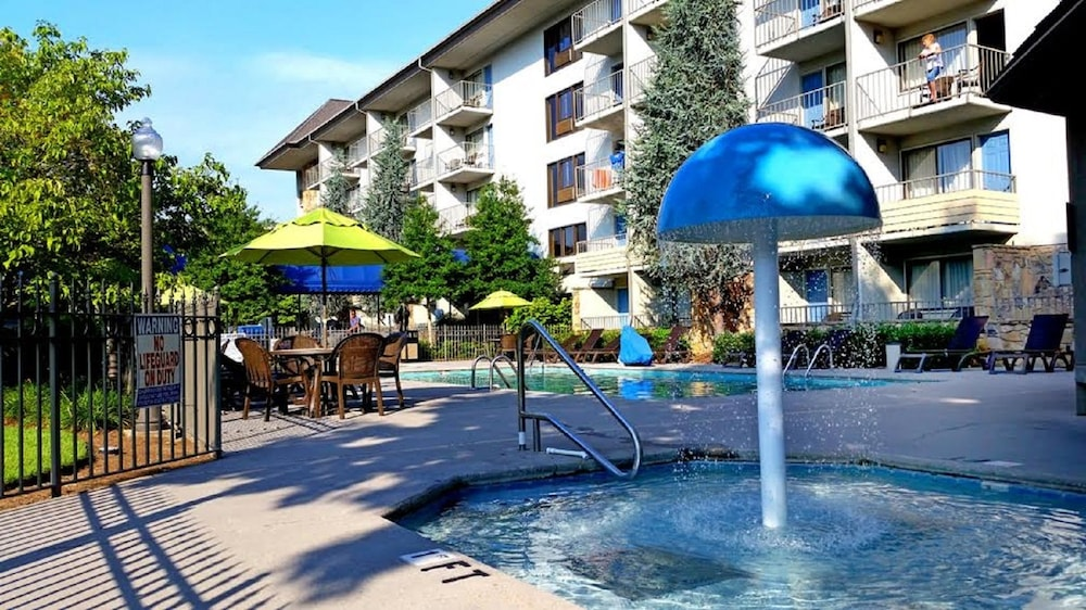 Outdoor Pool, Best Western Plaza Inn
