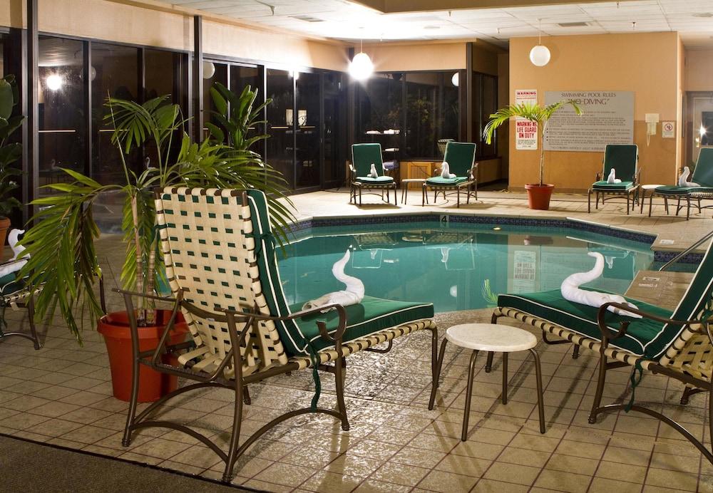 Doubletree Suites By Hilton Hotel Nashville Airport