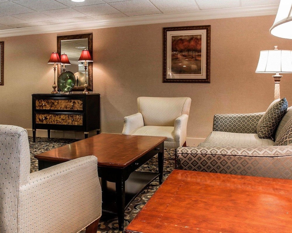 Comfort Inn Livonia: 2018 Pictures, Reviews, Prices & Deals   Expedia.ca