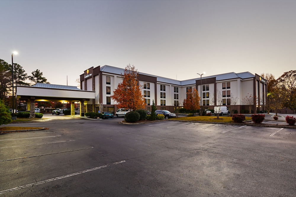 Front of Property - Evening/Night, Comfort Inn Greenville - Haywood Mall