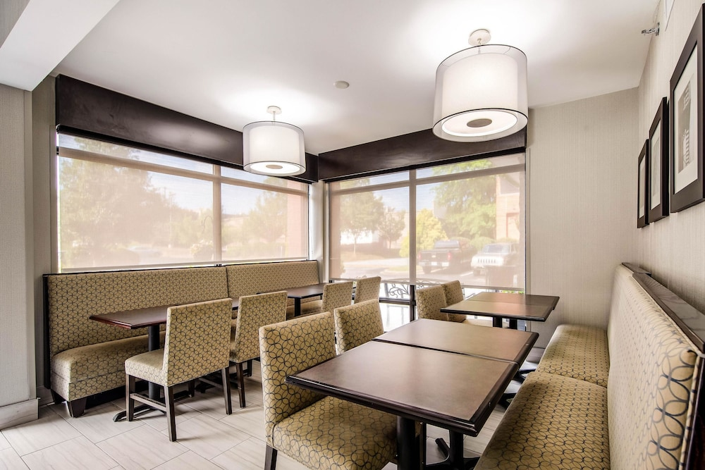 Breakfast Area, Comfort Inn Greenville - Haywood Mall