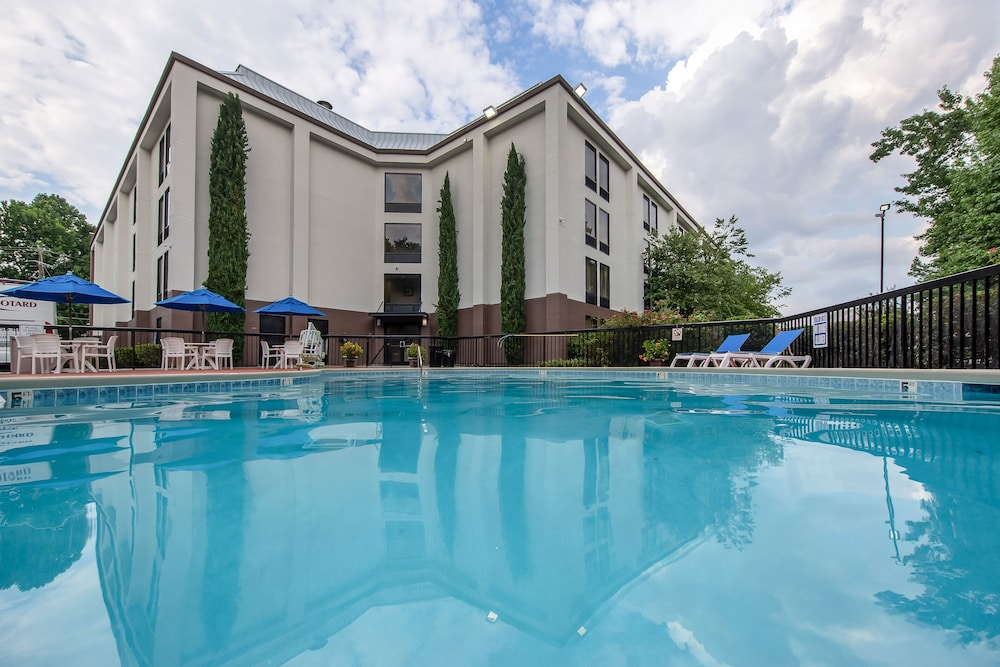 Outdoor Pool, Comfort Inn Greenville - Haywood Mall