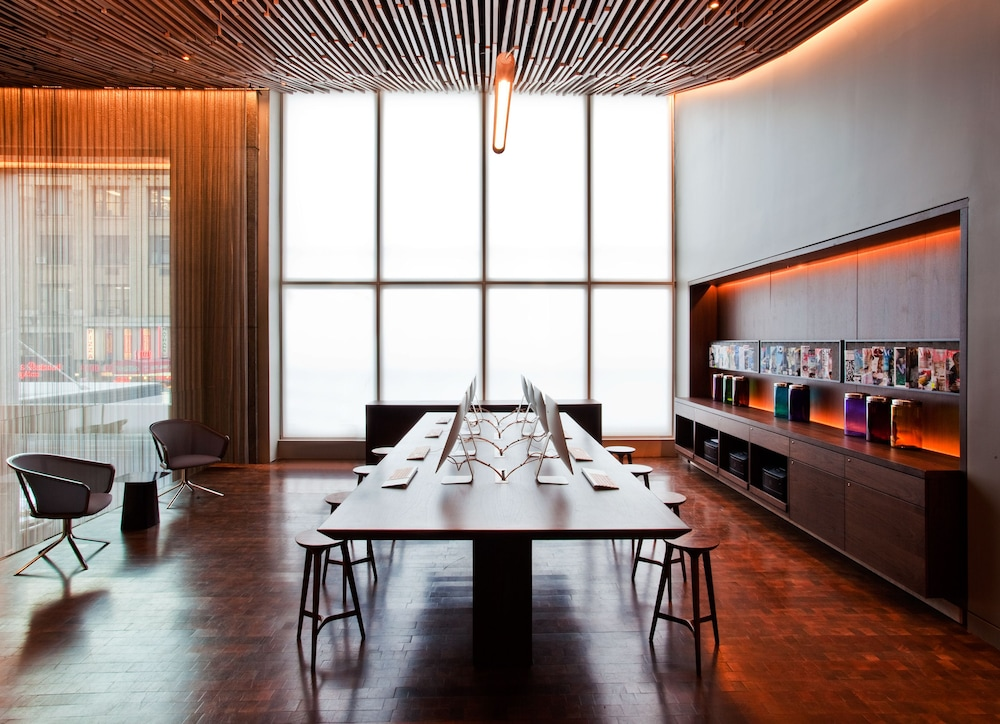 Meeting Facility, Row NYC