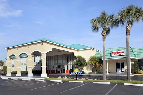 Great Place to stay Days Inn by Wyndham Fort Pierce Midtown near Fort Pierce