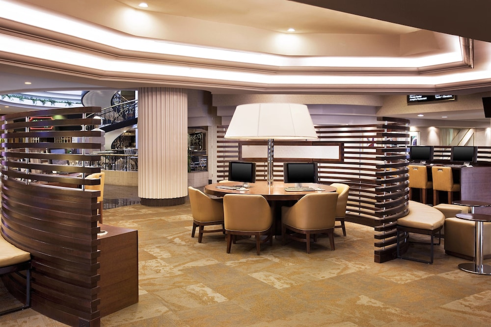 sheraton greensboro at four seasons greensboro 2019 room. Black Bedroom Furniture Sets. Home Design Ideas