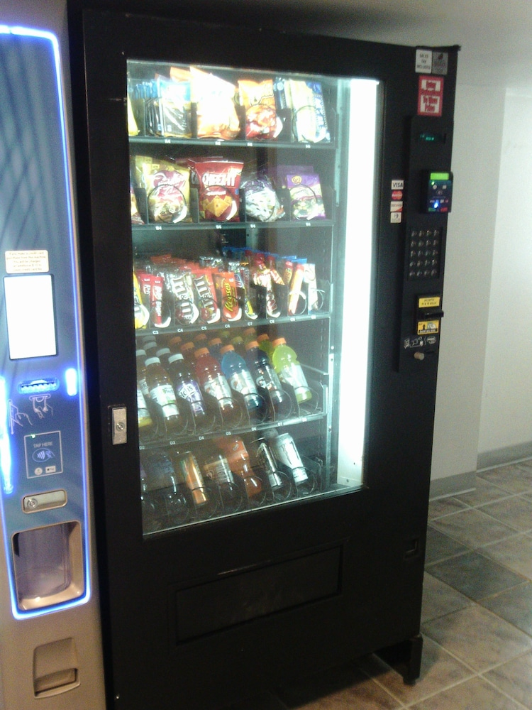 Vending Machine, 5th Avenue Inn and Suites