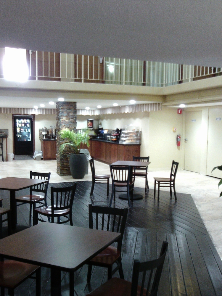 Meeting Facility, 5th Avenue Inn and Suites