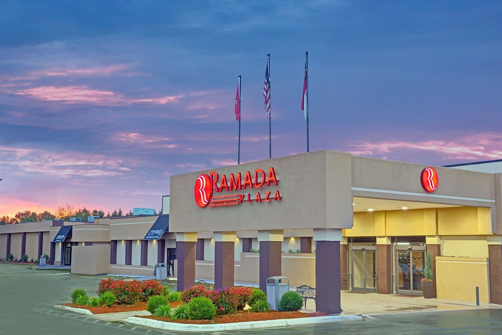 Ramada Plaza Conf Center By Wyndham Charlotte Airport In