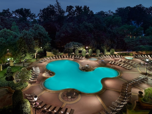 Check Expedia for Availability of Omni Shoreham Hotel