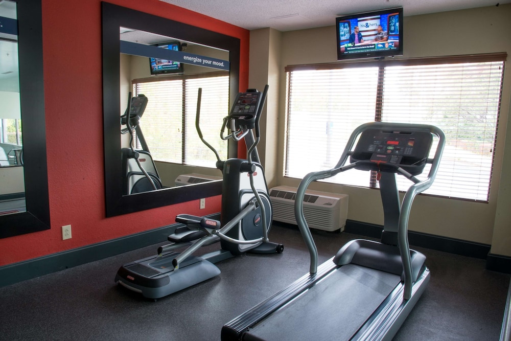 Fitness Facility, Hampton Inn Charleston-Downtown
