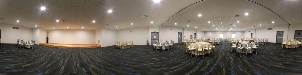Ballroom/Hall 60 of 135