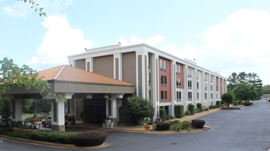 Holiday Inn Express Forsyth, an IHG Hotel