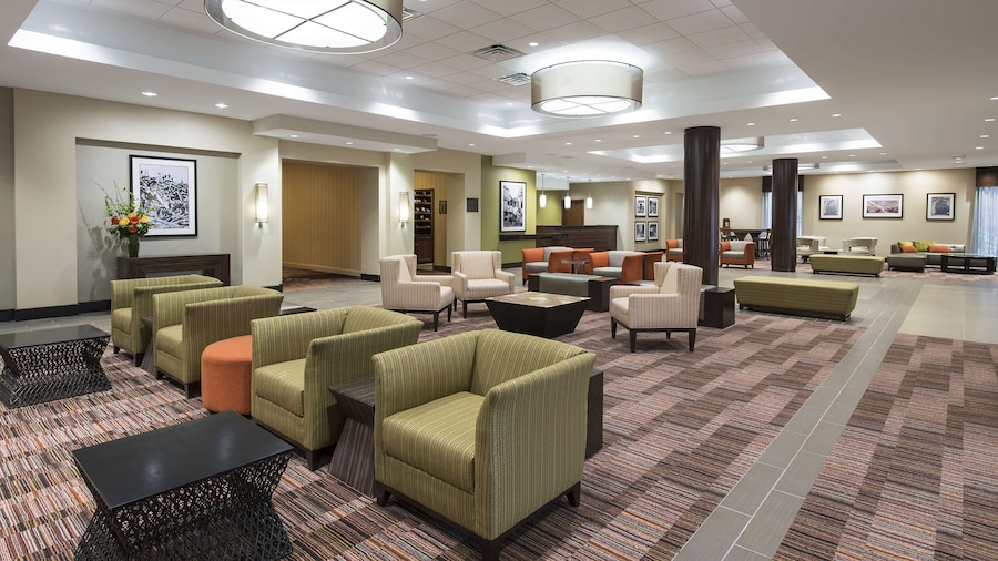 DoubleTree by Hilton Grand Rapids Airport