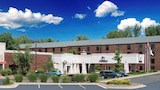 DoubleTree by Hilton Grand Rapids Airport - Grand Rapids Hotels