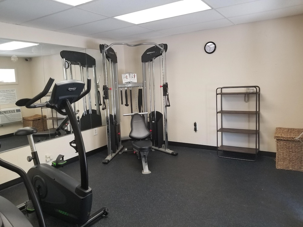 Gym, Baymont by Wyndham Sarasota
