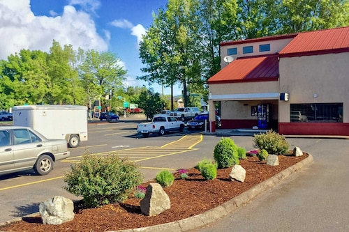 Check Expedia for Availability of Rodeway Inn Willamette River