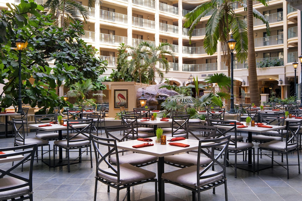 Breakfast Area, Sheraton Suites Fort Lauderdale at Cypress Creek