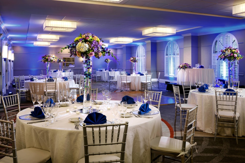 Indoor Wedding, Sheraton Suites Fort Lauderdale at Cypress Creek