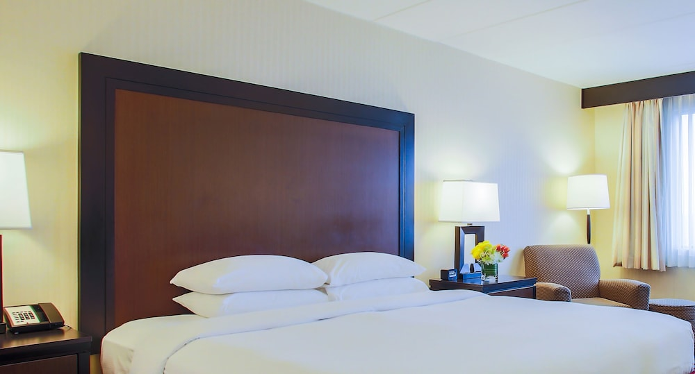 Room, DoubleTree by Hilton Chicago - Alsip