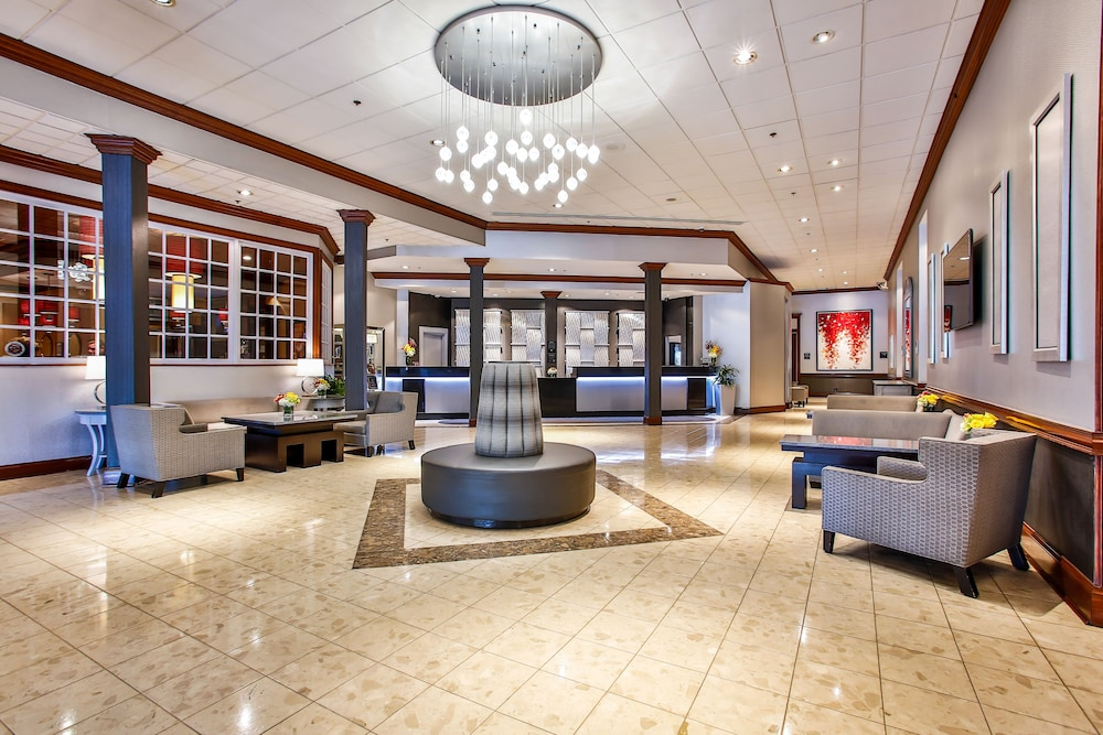 Interior Entrance, DoubleTree by Hilton Chicago - Alsip