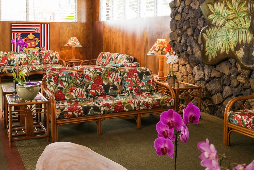 Lobby Sitting Area, Kona Seaside Hotel