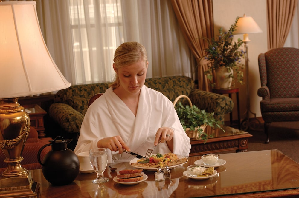 Room Service - Dining, Kahler Grand Hotel