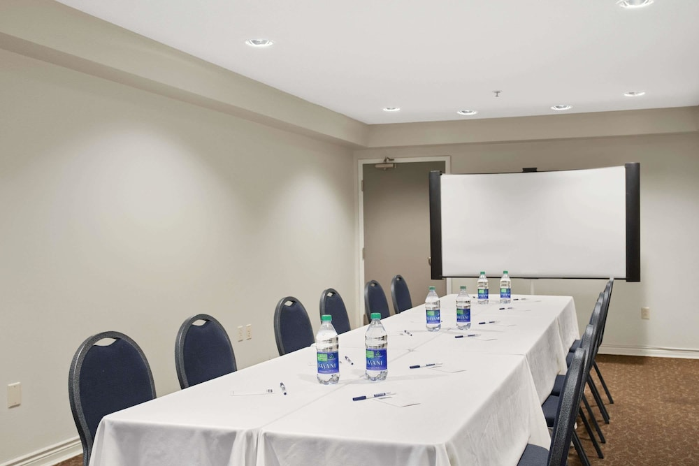 Meeting Facility, Travelodge Suites by Wyndham Saint John