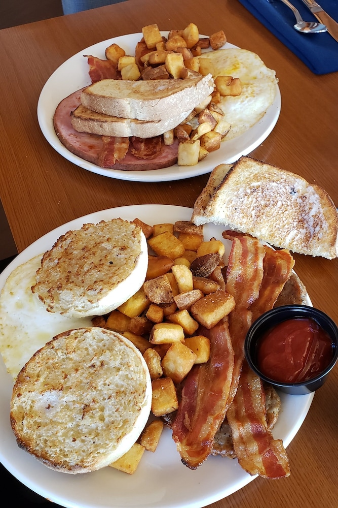 Breakfast Meal, Four Points by Sheraton Bangor Airport