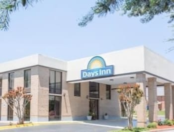Days Inn Easley West of Greenville/Clemson Area