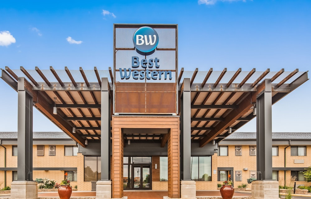 Featured Image, Best Western West Towne Suites