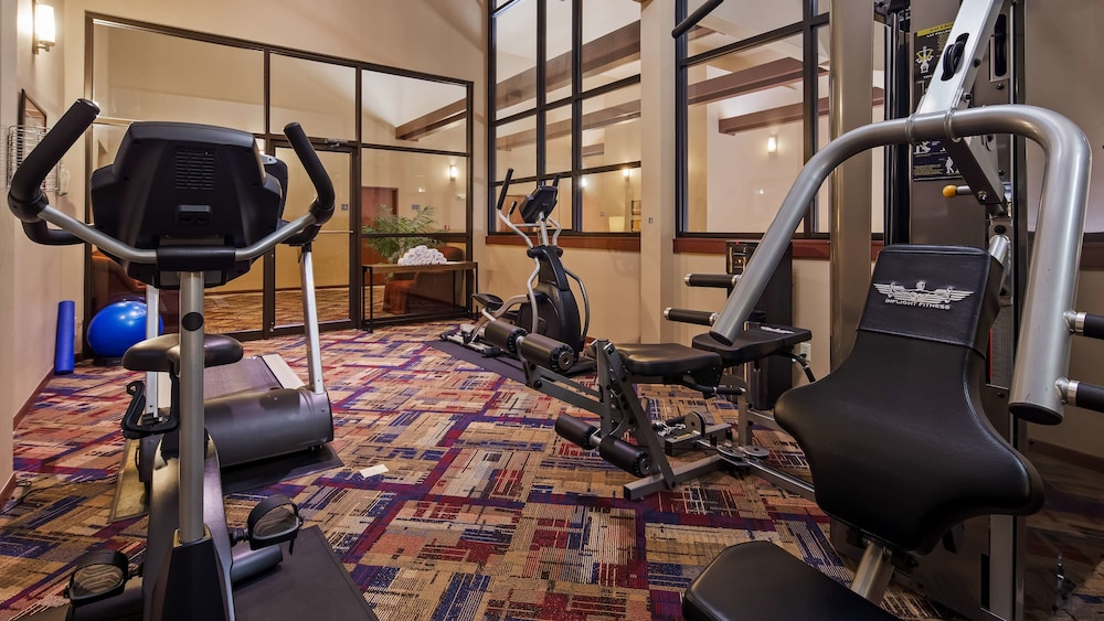 Fitness Facility, Best Western West Towne Suites