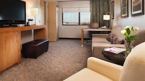 1 bedroom, premium bedding, pillowtop beds, in-room safe