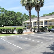 Motel 6 Savannah Midtown