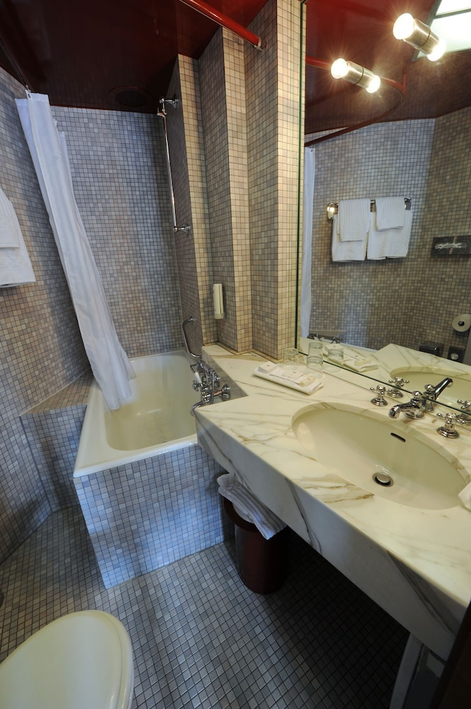 Bathroom, Best Western Hotel Domicil