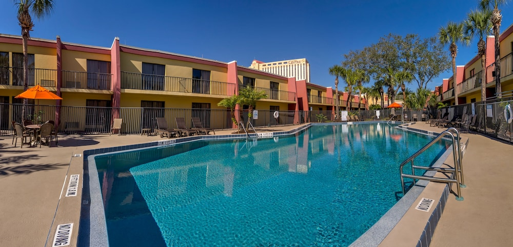 Property Grounds, Midpointe Hotel by Rosen Hotels & Resorts