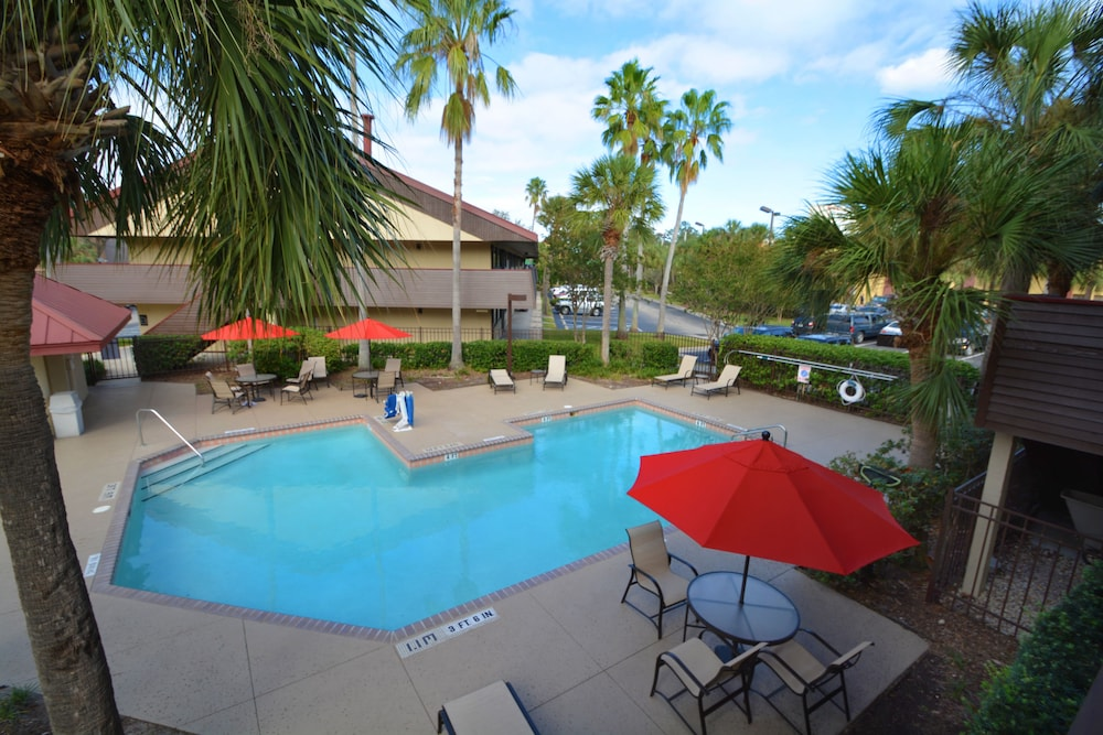Outdoor Pool, Midpointe Hotel by Rosen Hotels & Resorts