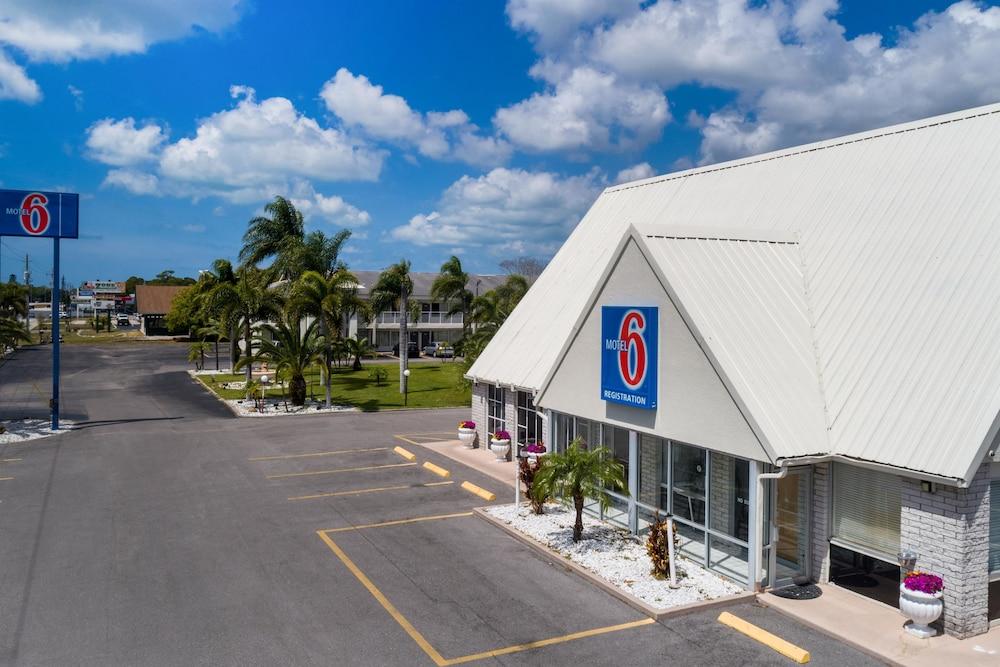 Motel 6 Englewood Fl 2019 Room Prices 61 Deals