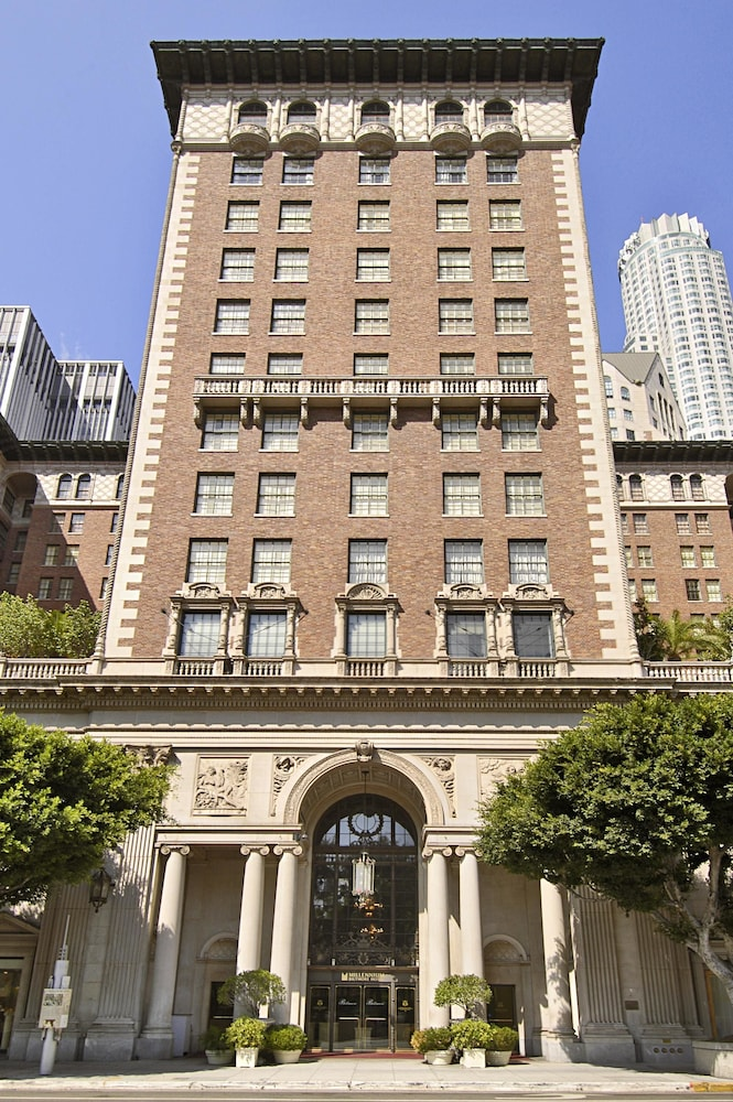 Front of Property, Millennium Biltmore Los Angeles