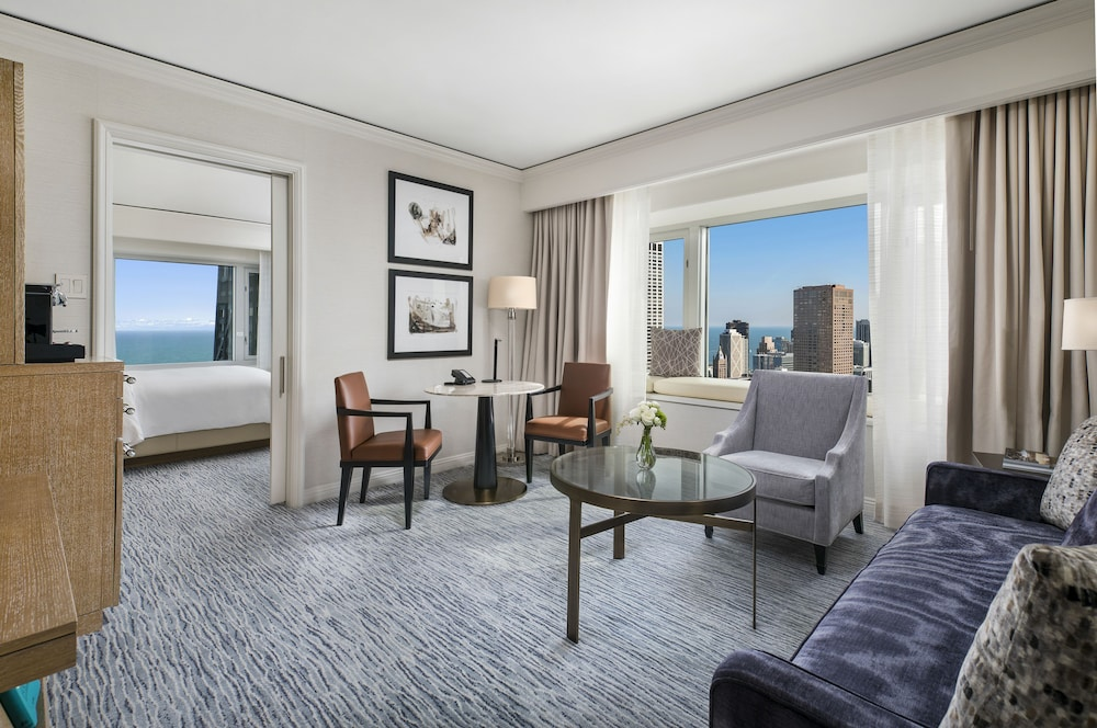 four seasons hotel chicago 2019 room prices 336 deals. Black Bedroom Furniture Sets. Home Design Ideas
