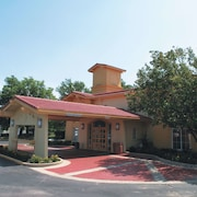 La Quinta Inn by Wyndham Kansas City Lenexa