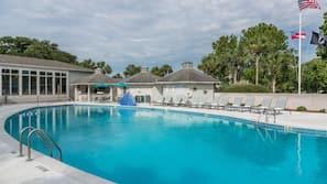 Seasonal outdoor pool, cabanas (surcharge)